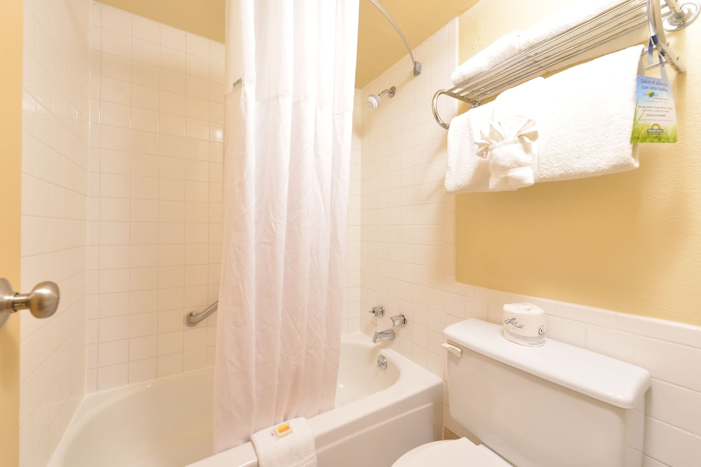 Bathroom, Days Inn by Wyndham Casper