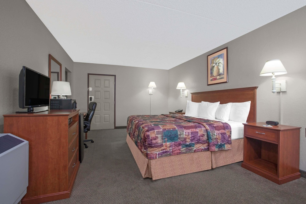 Room, Days Inn by Wyndham Casper