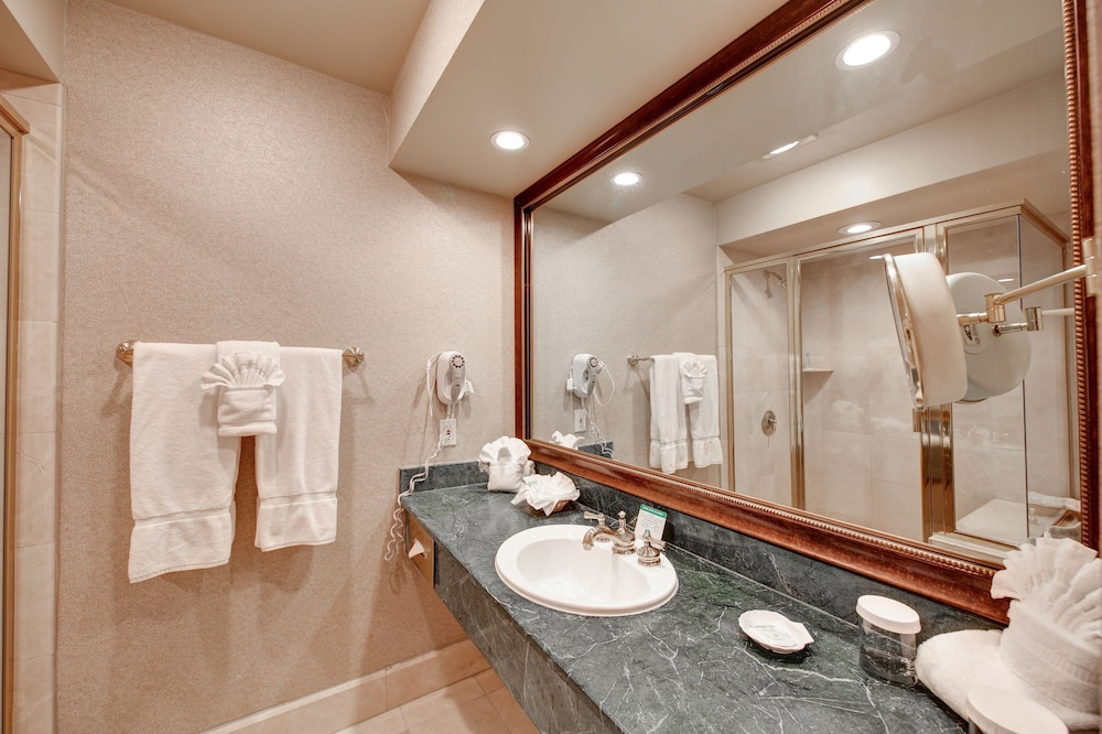 Bathroom, Indian Wells Resort Hotel