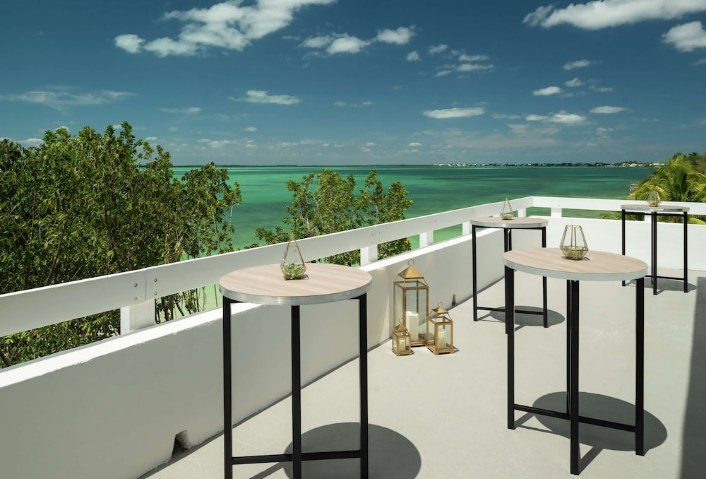 Meeting Facility, Baker's Cay Resort Key Largo, Curio Collection by Hilton