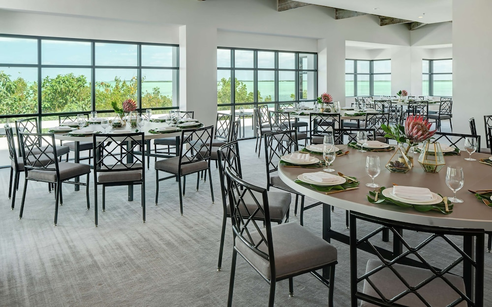 Restaurant, Baker's Cay Resort Key Largo, Curio Collection by Hilton
