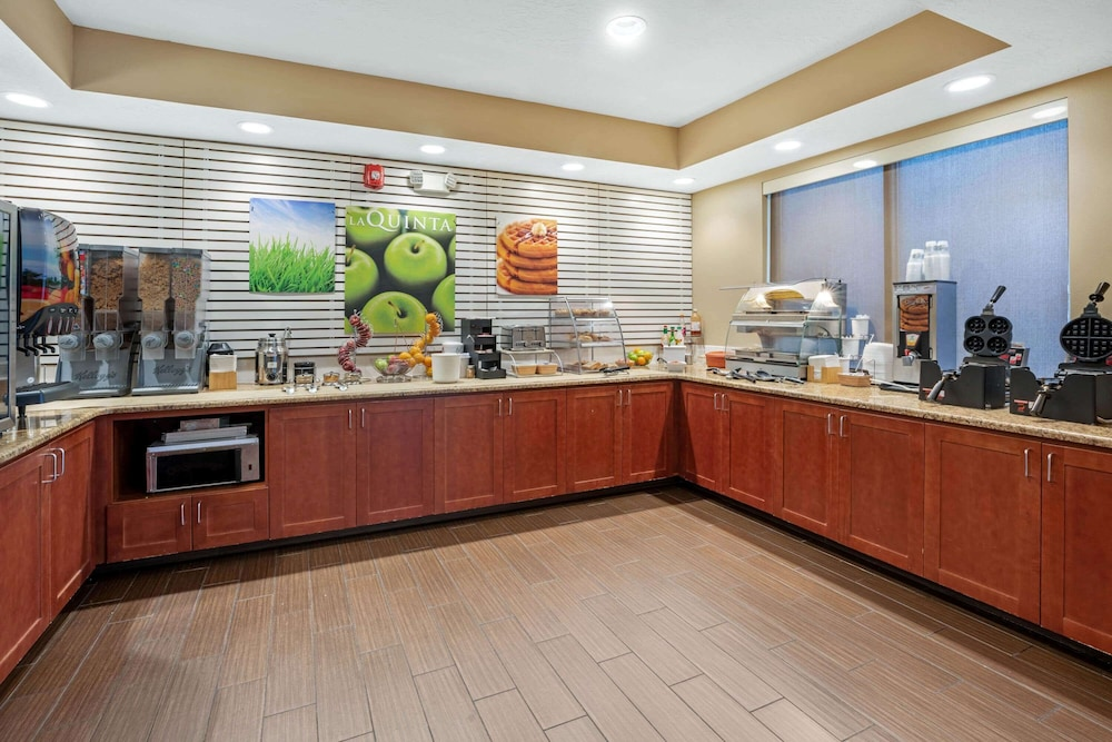 Dining, La Quinta Inn & Suites by Wyndham Boise Airport