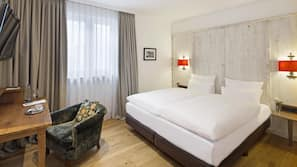 Premium bedding, down duvet, Select Comfort beds, minibar