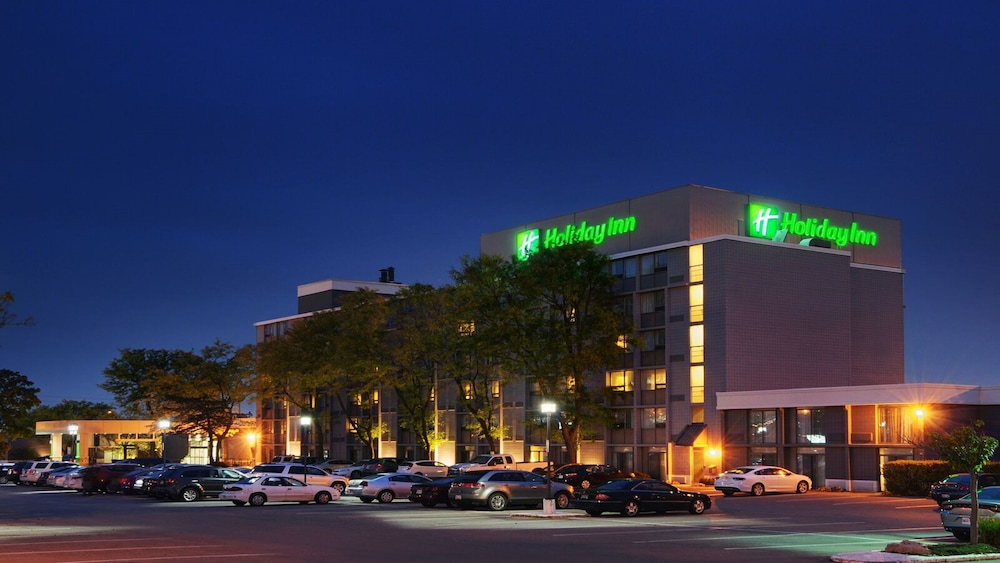 Exterior, Holiday Inn Burlington Hotel & Conference Centre, an IHG Hotel