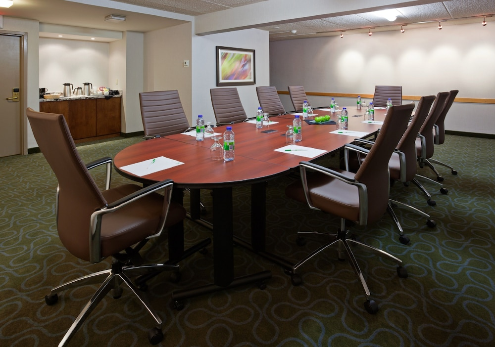 Meeting Facility, Holiday Inn Burlington Hotel & Conference Centre, an IHG Hotel