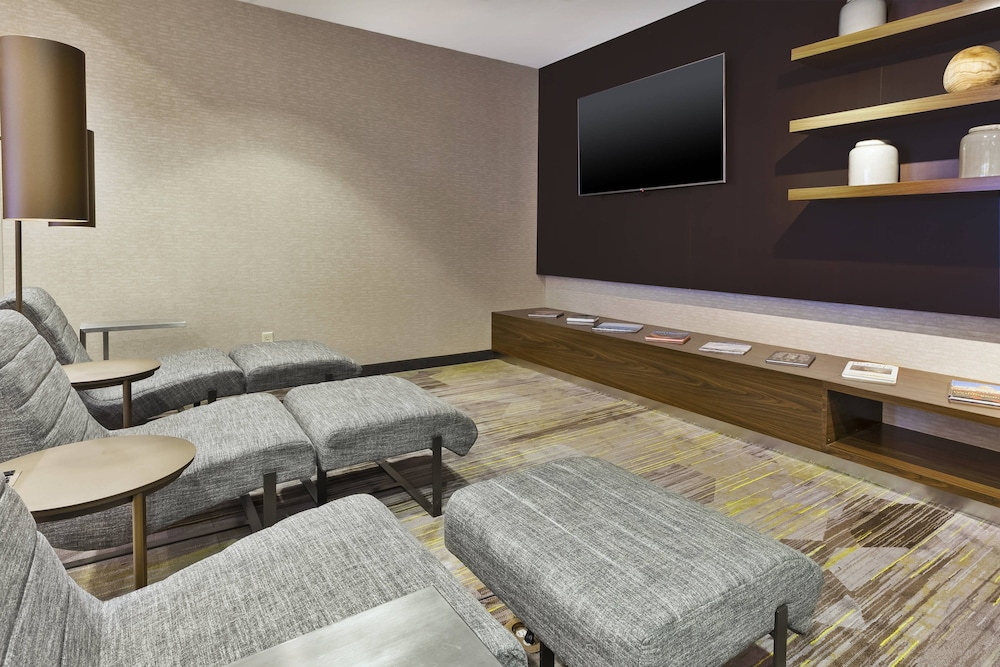 Living Room, Courtyard by Marriott Secaucus Meadowlands