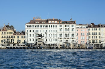 venice hotel deals may
