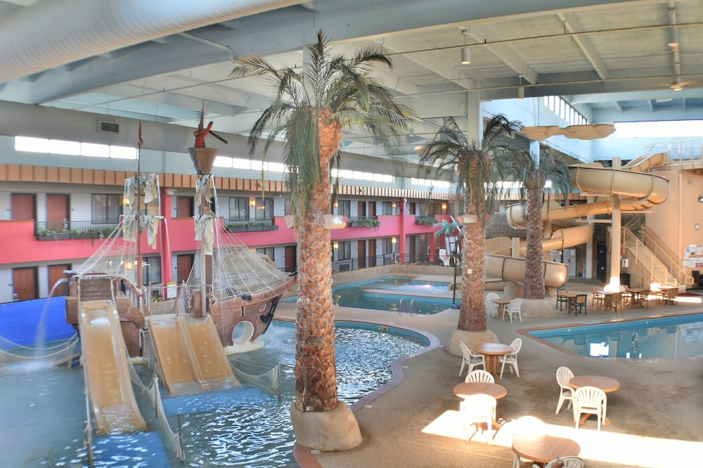 Featured Image, Ramada by Wyndham Sioux Falls Airport-Waterpark & Event Ctr