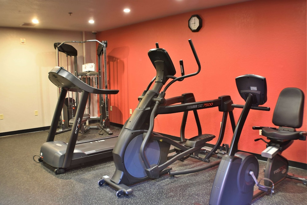 Fitness Facility, Ramada by Wyndham Sioux Falls Airport-Waterpark & Event Ctr