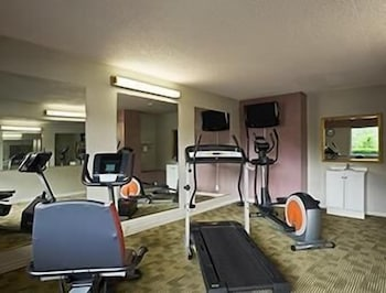 Fitness Facility, Days Inn by Wyndham Oil City Conference Center