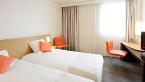Memory foam beds, in-room safe, desk, blackout curtains