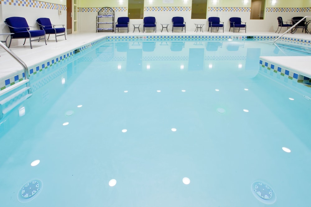 Pool, Holiday Inn Express Hotel & Suites Wilmington-Newark