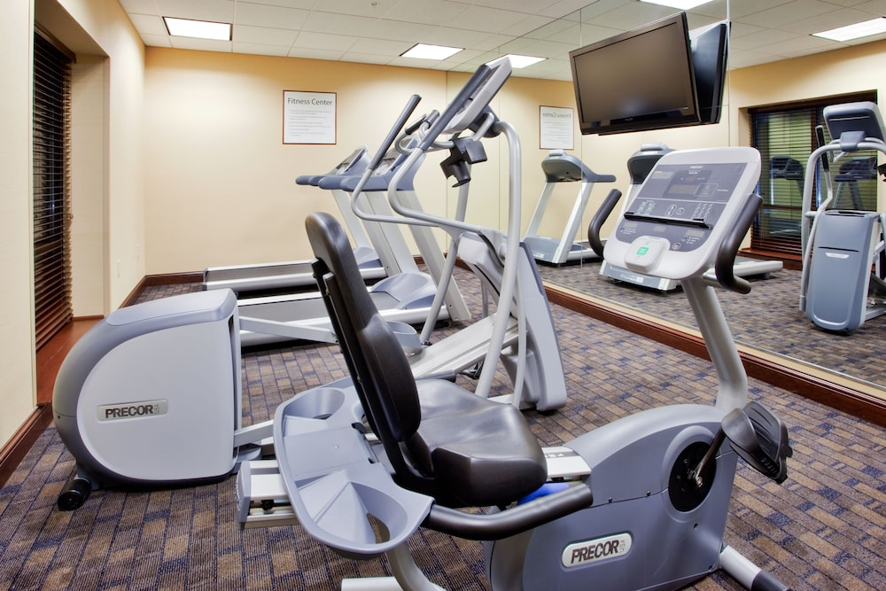 Fitness Facility, Holiday Inn Express Hotel & Suites Wilmington-Newark