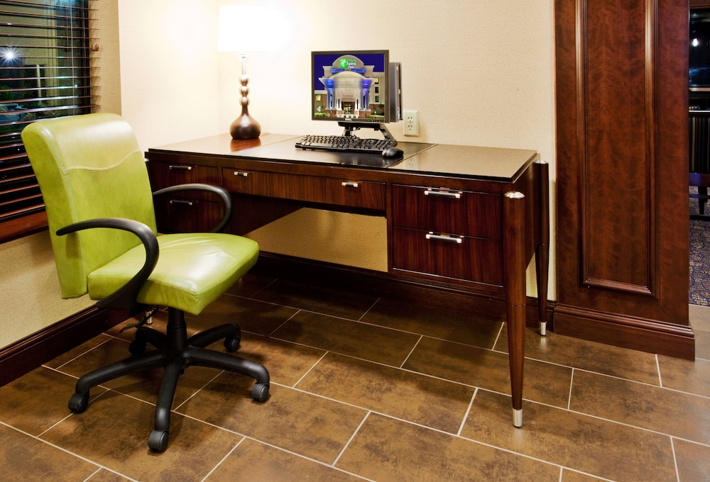 Miscellaneous, Holiday Inn Express Hotel & Suites Wilmington-Newark