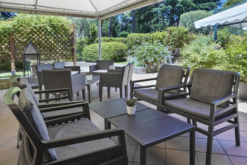 Terrace/Patio, Crowne Plaza Rome-St. Peter's Hotel & Spa