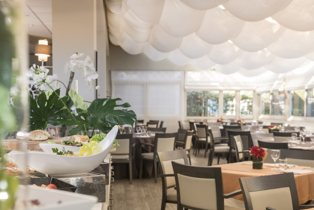 Restaurant, Crowne Plaza Rome-St. Peter's Hotel & Spa