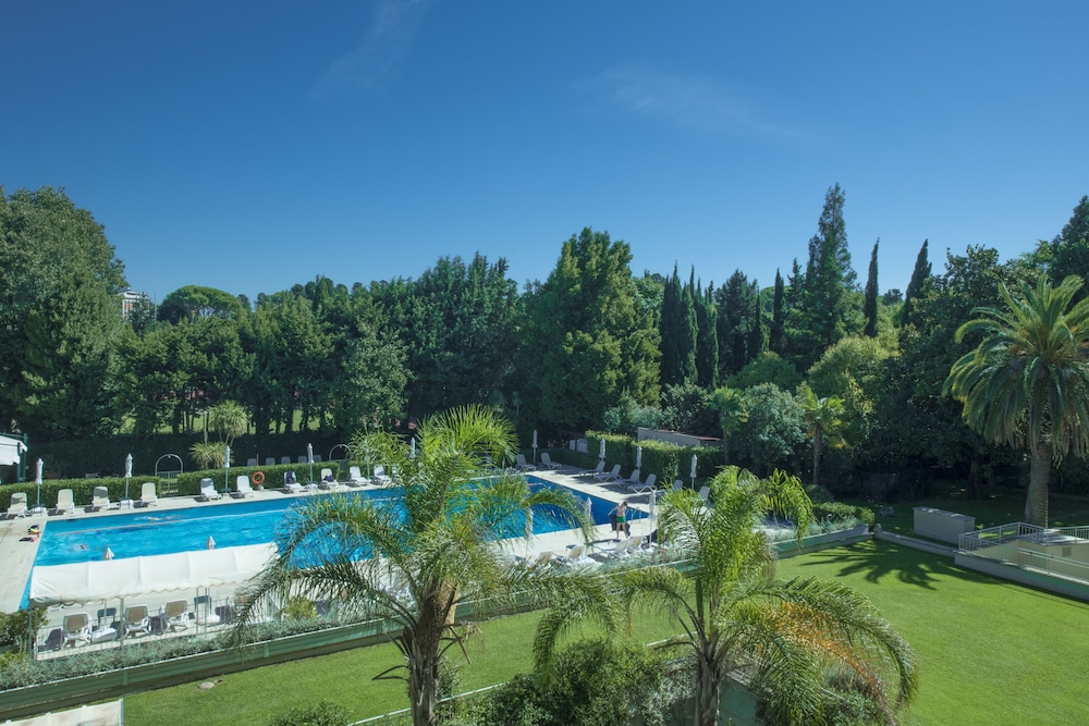Garden, Crowne Plaza Rome-St. Peter's Hotel & Spa