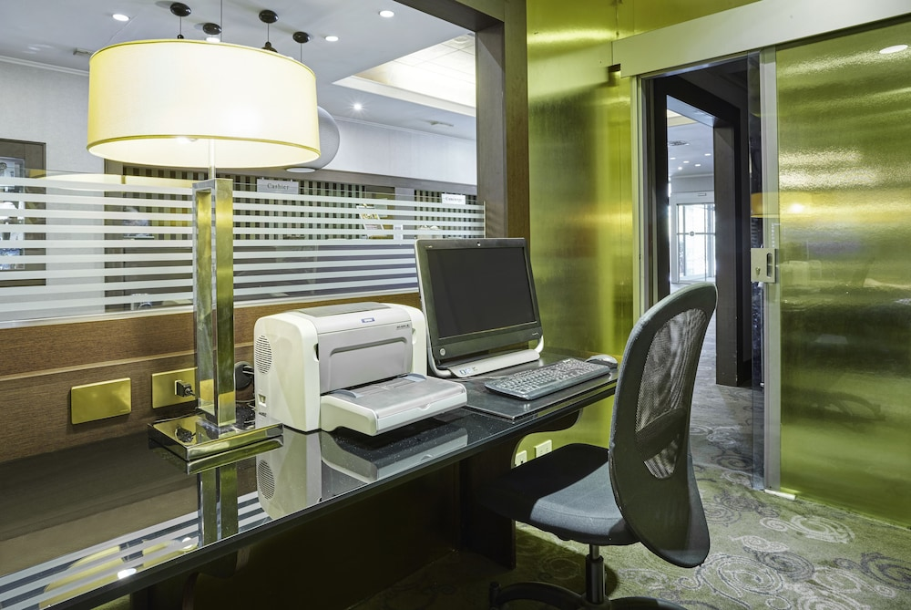 Business Center, Crowne Plaza Rome-St. Peter's Hotel & Spa
