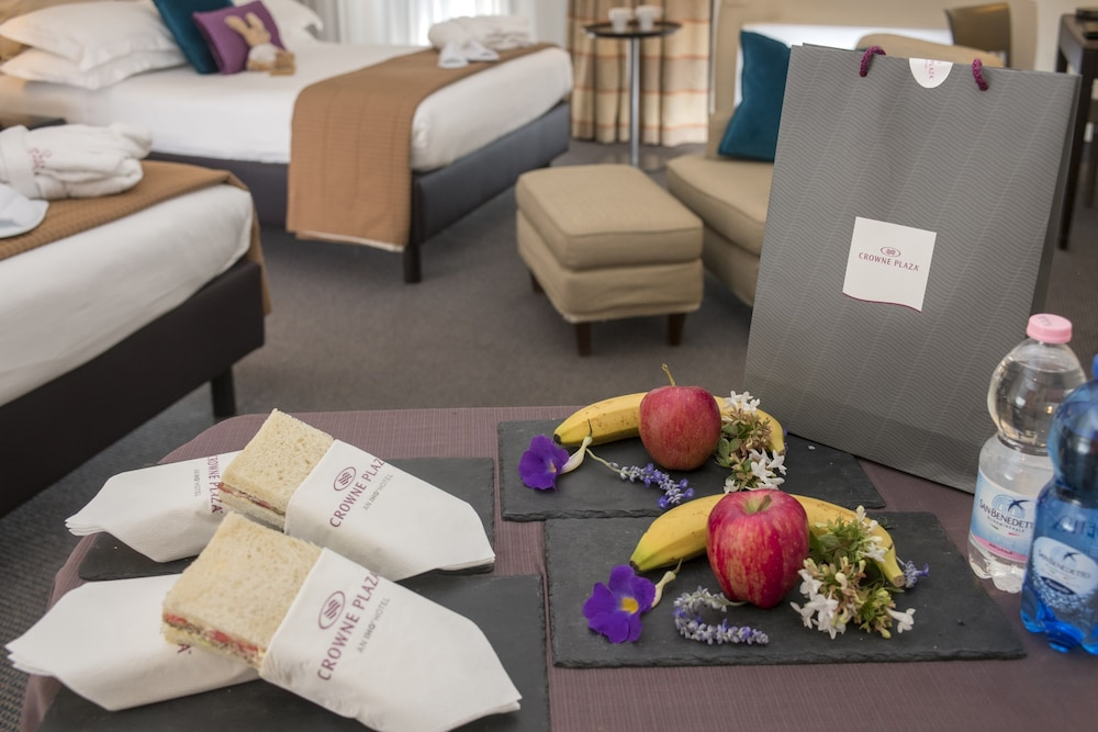 Room Amenity, Crowne Plaza Rome-St. Peter's Hotel & Spa