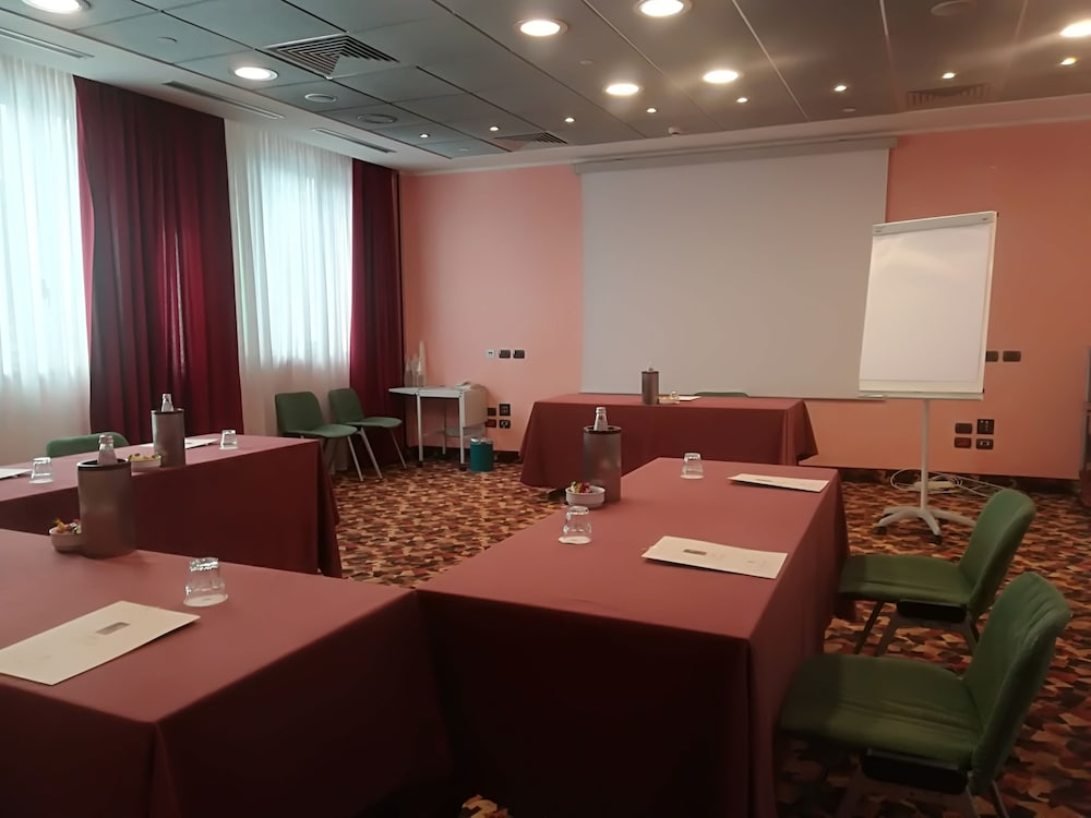 Business Center, Hotel Brunelleschi