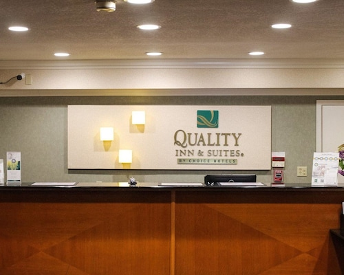 Quality Inn & Suites Oceanside near Camp Pendleton