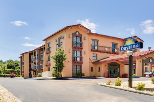 Days Inn by Wyndham Birmingham/West