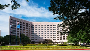 DoubleTree by Hilton Tulsa - Warren Place