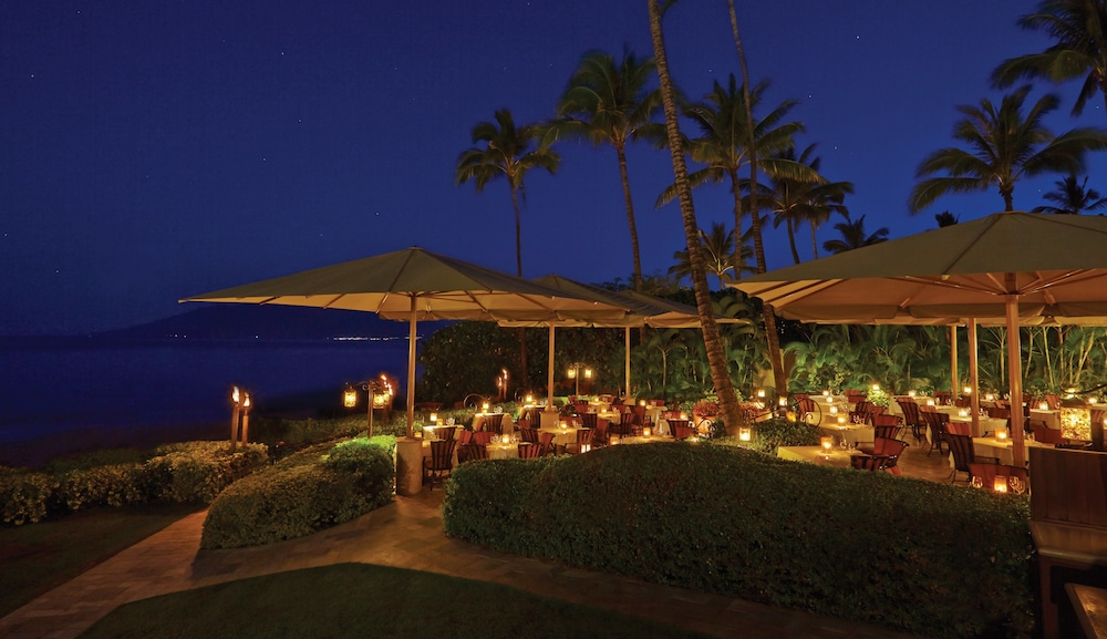 Outdoor Dining, Four Seasons Resort Maui at Wailea