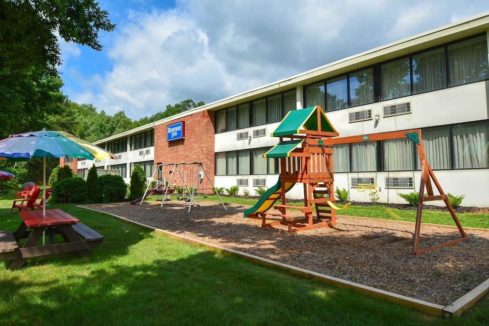 Children's Play Area - Outdoor, Rodeway Inn Springhills Lake George