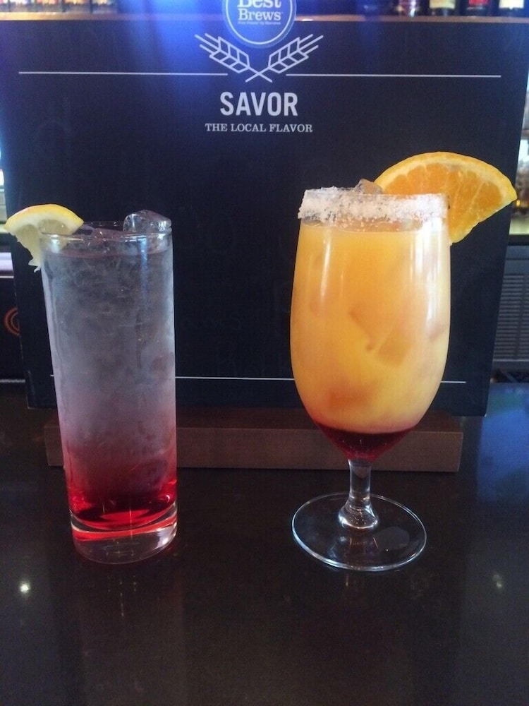 Food and Drink, Four Points by Sheraton Newburgh Stewart Airport