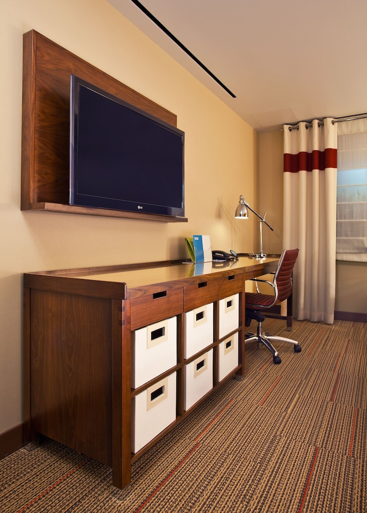 Room, Four Points by Sheraton Newburgh Stewart Airport