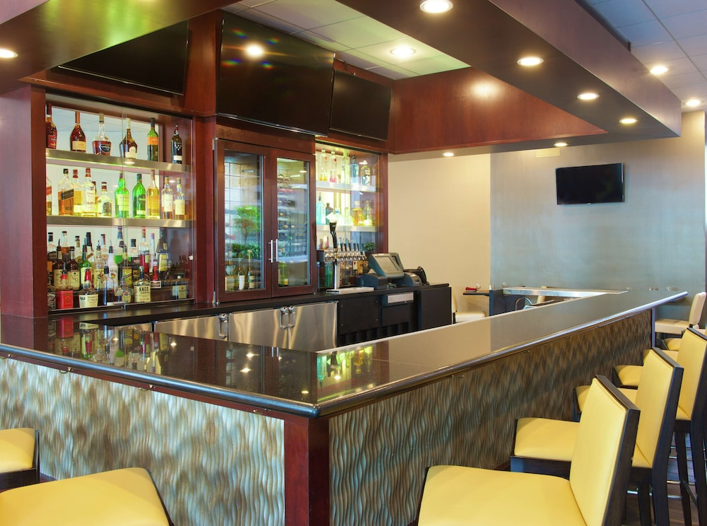 Bar, Embassy Suites by Hilton Seattle Bellevue