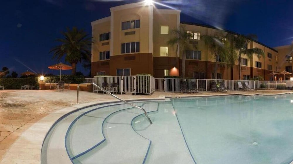 Outdoor Pool, Holiday Inn Express Clearwater East - Icot Center, an IHG Hotel