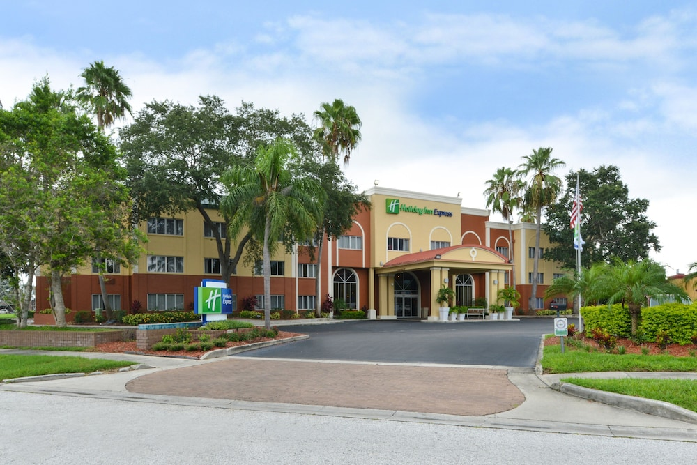 Exterior, Holiday Inn Express Clearwater East - Icot Center, an IHG Hotel
