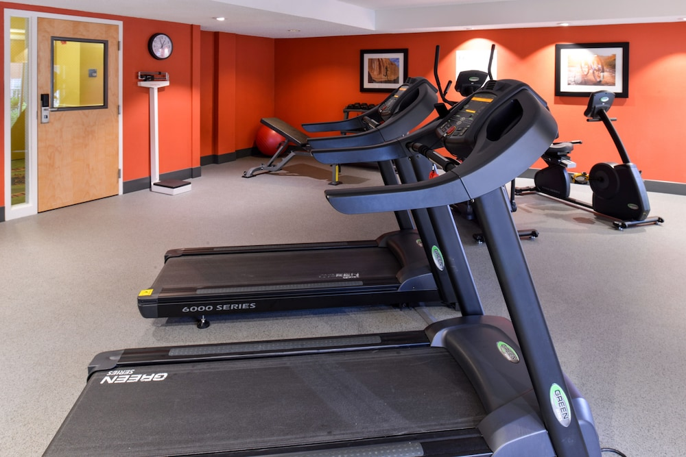 Fitness Facility, Holiday Inn Express Clearwater East - Icot Center, an IHG Hotel
