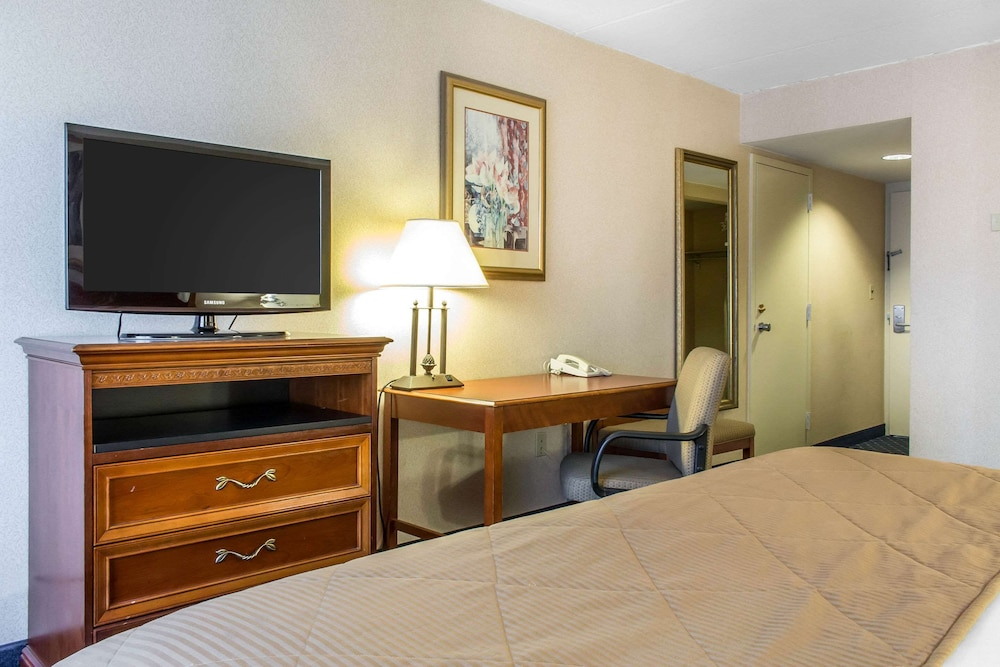 Room, Clarion Hotel & Conference Center