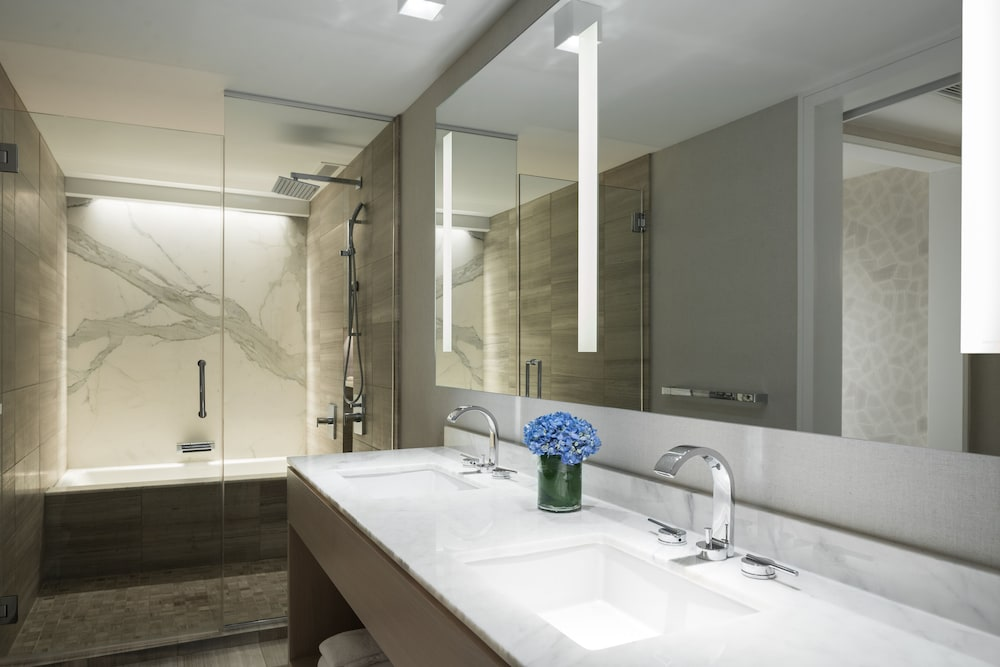 Bathroom, The Ritz-Carlton, Chicago
