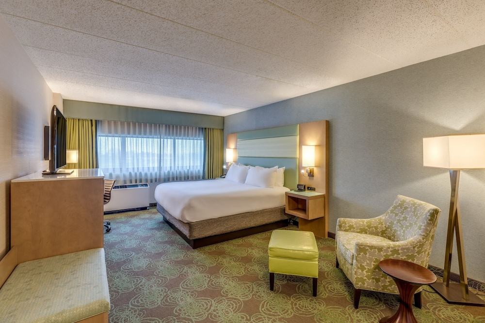 Room, Crowne Plaza Lansing West