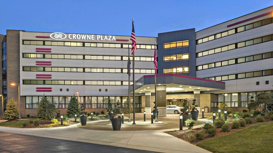 Crowne Plaza Lansing West, an IHG Hotel