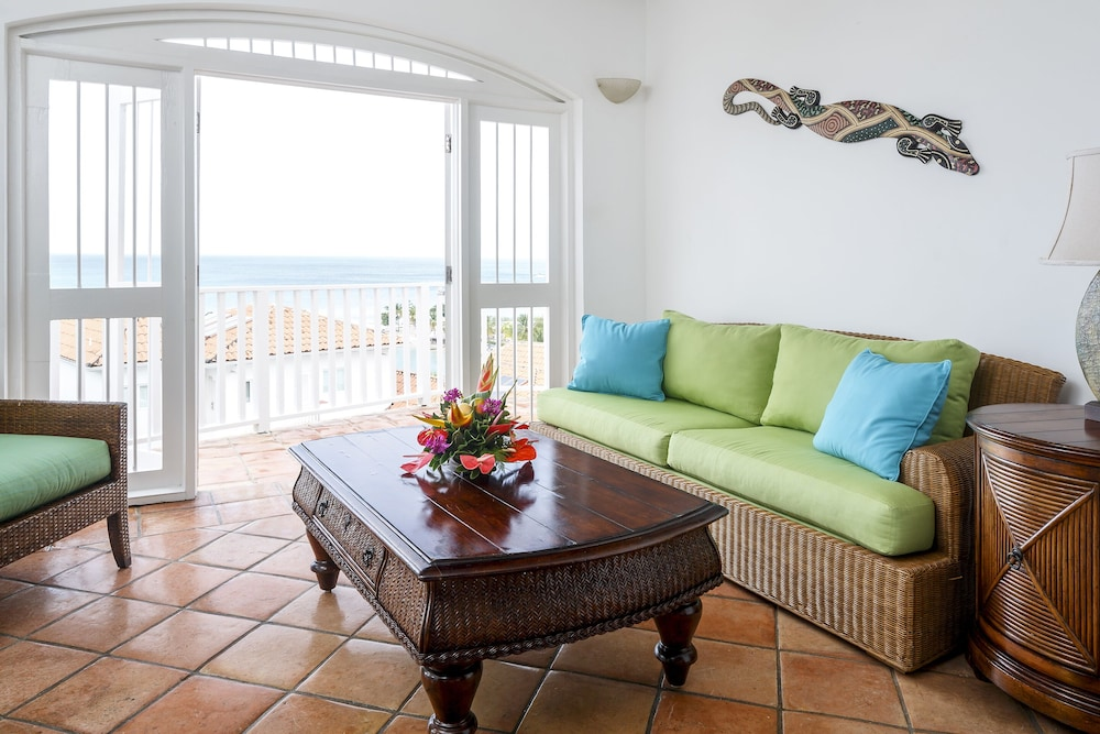 Living Room, Windjammer Landing Villa Beach Resort