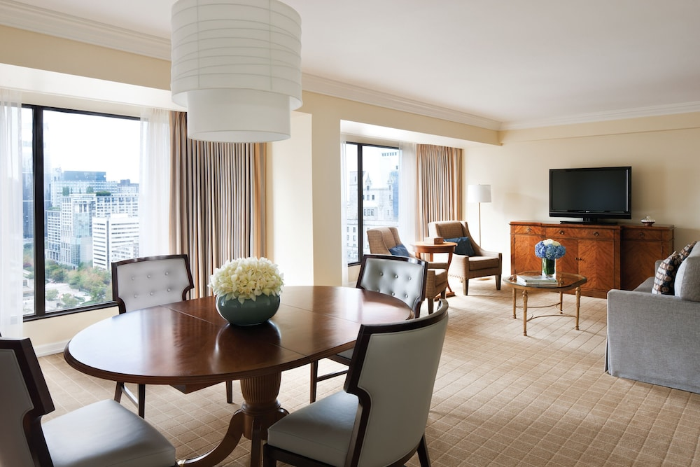 Four seasons hotel vancouver in vancouver hotel rates for Design hotel vancouver