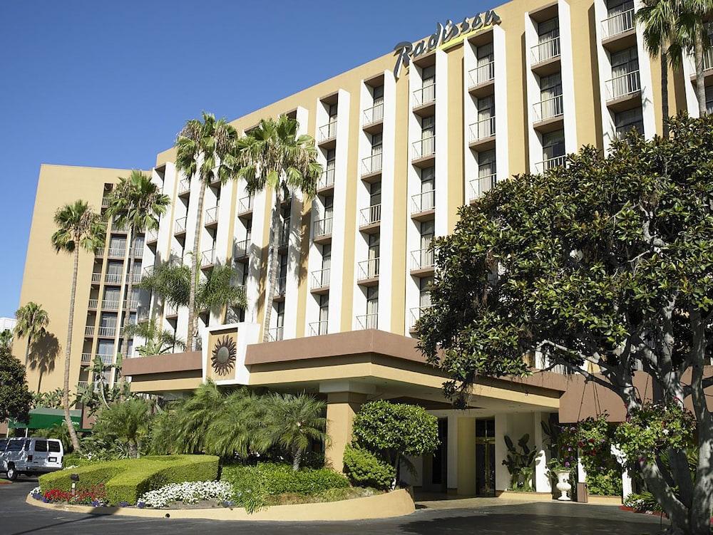 Radisson Hotel Newport Beach Expedia