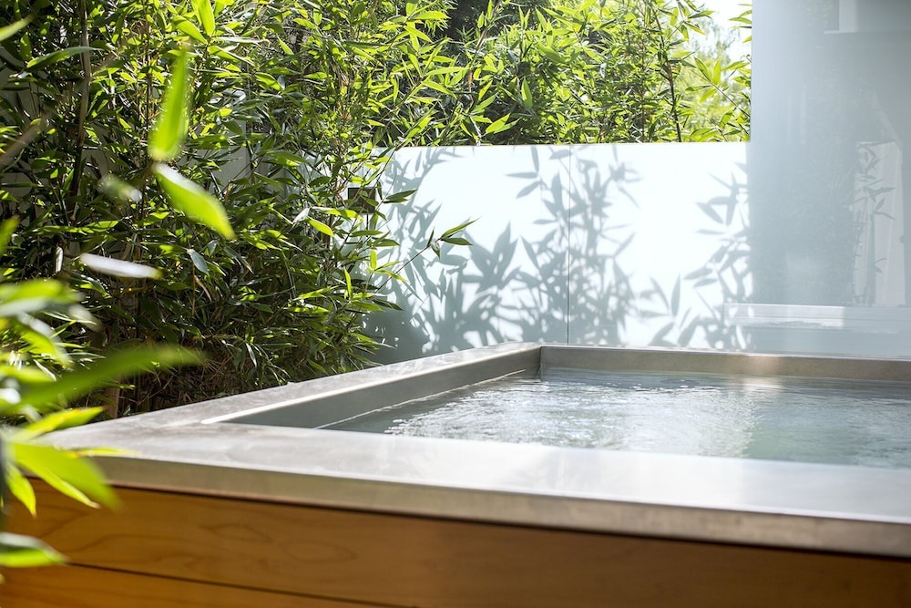 Outdoor Spa Tub, Mr. C Beverly Hills