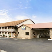 Days Inn by Wyndham Huntington