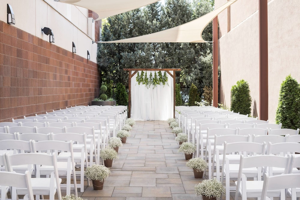 Outdoor Wedding Area, Provo Marriott Hotel & Conference Center