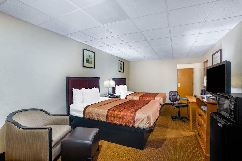 Featured Image, Red Coach Inn & Suites El dorado KS