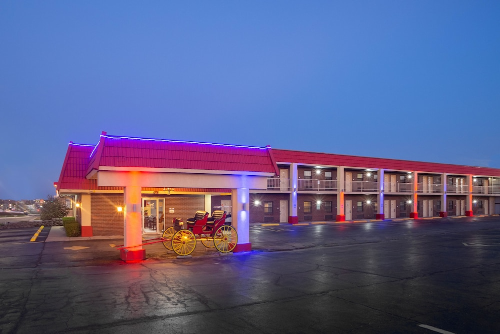 Front of Property, Red Coach Inn & Suites El dorado KS