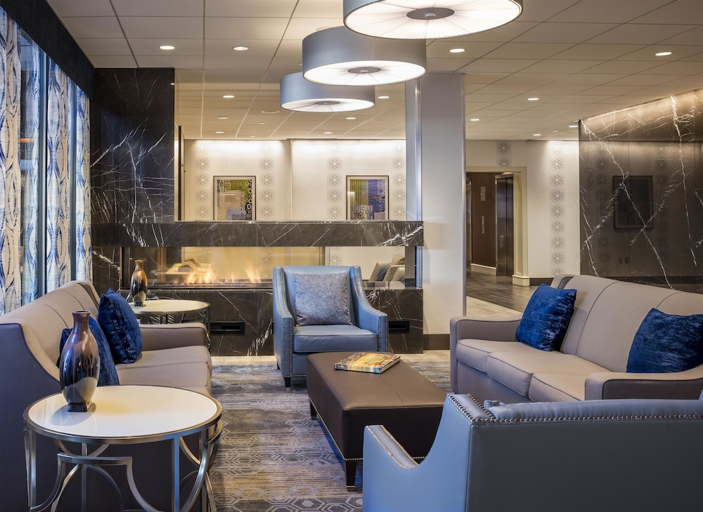 Four points by sheraton norwood in norwood hotel rates for Hotel design course