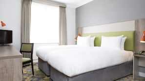 In-room safe, desk, iron/ironing board, linens