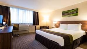 1 bedroom, hypo-allergenic bedding, desk, blackout curtains
